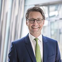 Porträtfoto von Bundesminister Andreas Scheuer